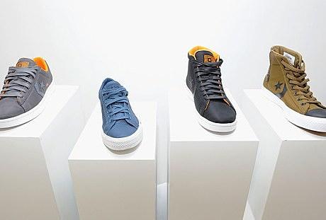 Sneaker Shot Wide