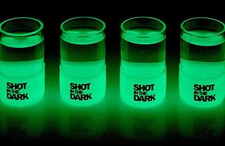 shot-in-the-dark-glow-in-the-dark-shot-glasses-xl