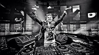 """#tbt rocking #ASOT500 in Den Bosch"""